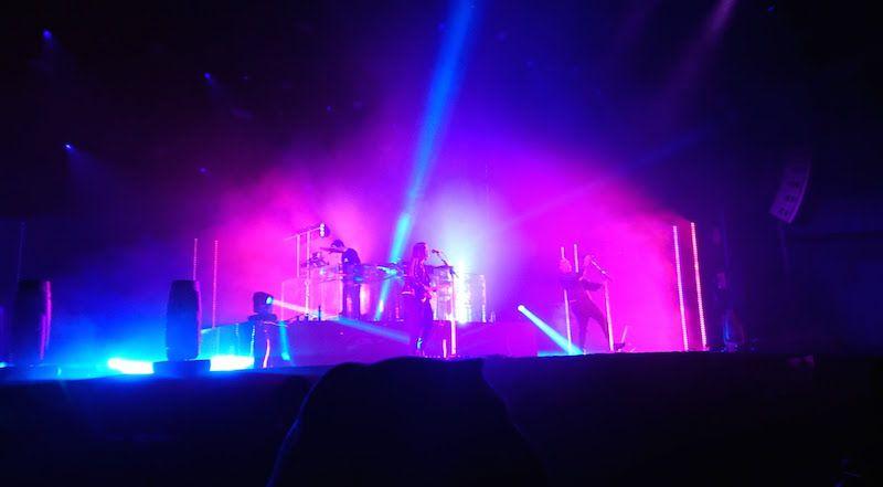 The xxの幕張メッセ公演、照明がかっこいい