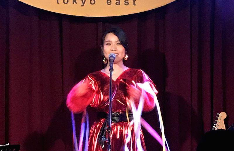 町あかりワンマンライブ、Eggman tokyo east。紙テープまみれの町あかり