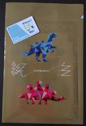 チャットモンチーの『CHATMONCHY LAST ONEMAN LIVE 〜I Love CHATMONCHY〜』日本武道館公演、入り口で配られたファイルとSMAモバイルのくじ引きでもらったICカードシール
