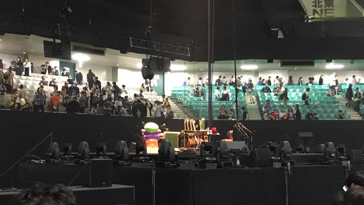 奥田民生ひとり股旅スペシャル@日本武道館のステージ上の写真
