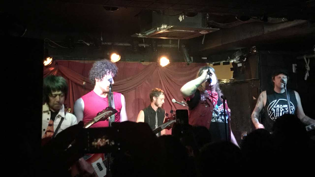 terry and louieの来日ツアー、幡ヶ谷Club Heavy Sick公演、アンコールでFadeawaysのトモゾー参加