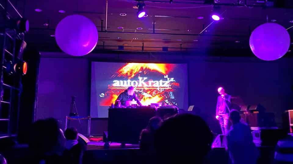 TOKYOカウントダウン2020のautoKratz