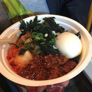 フジロック2017、Orange Cafeの肉味噌海苔玉キムチ丼
